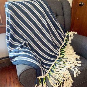 Ecoté • throw blanket tassel fringe detail striped